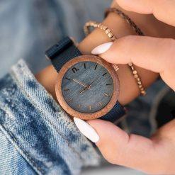 Zegarek Neat Zegarek damski New Hoop drewniany sapelli niebiesko-złoty 38mm. Niebieskie zegarki damskie Neat, złote. Za 324,00 zł.
