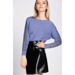 Niebieski Sweter Incubus. Niebieskie swetry klasyczne damskie Born2be, na jesień, l. Za 64,99 zł.