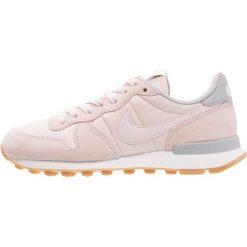 Trampki damskie slip on: Nike Sportswear INTERNATIONALIST Tenisówki i Trampki barely rose/wolf grey