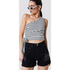 Bermudy damskie: NA-KD Trend Szorty jeansowe z wysokim stanem i rozdarciami – Black