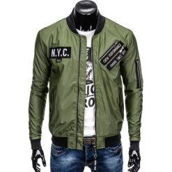 KURTKA MĘSKA PRZEJŚCIOWA BOMBERKA C349 - OLIWKOWA. Zielone kurtki męskie bomber marki Ombre Clothing, m, z poliesteru. Za 99,00 zł.