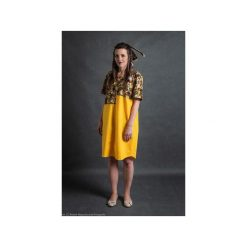 Żółta bawełniana sukienka oversize eggshape. Czarne sukienki letnie marki Mohito, l, z dekoltem na plecach. Za 200,00 zł.