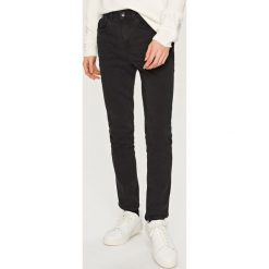 Rurki męskie: Jeansy rurki skinny fit - Czarny