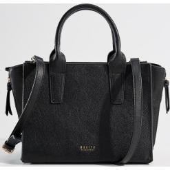 Torba City Bag z odpinanym paskiem - Czarny. Czarne torebki klasyczne damskie Mohito. Za 129,99 zł.