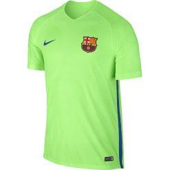 Nike Koszulka męska FCB M NK STRKE TOP SS zielona r. S (829975 368). Zielone t-shirty męskie Nike, m, do piłki nożnej. Za 289,92 zł.