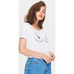Koszulka z nadrukiem - Biały. Białe t-shirty damskie marki Cropp, l, z nadrukiem. Za 24,99 zł.