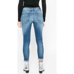 Pepe Jeans - Jeansy. Niebieskie jeansy damskie rurki Pepe Jeans, z aplikacjami, z bawełny. W wyprzedaży za 239,90 zł.