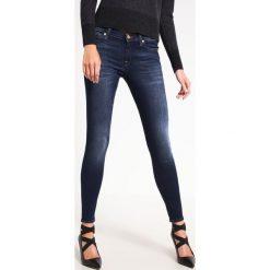 7 for all mankind THE SKINNY B(AIR) Jeans Skinny Fit duchess. Niebieskie boyfriendy damskie 7 for all mankind, z bawełny. Za 799,00 zł.