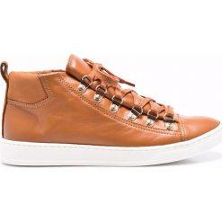 Gino Rossi - Botki. Pomarańczowe buty zimowe damskie marki Gino Rossi, z materiału, z okrągłym noskiem, na sznurówki. W wyprzedaży za 249,90 zł.