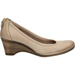 CZÓŁENKA LEMAR 172. Brązowe buty ślubne damskie Casu, na koturnie. Za 209,99 zł.