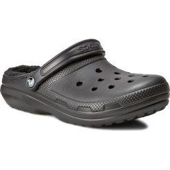 Klapki CROCS - Classic Lined Clog 203591 Black/Black. Czarne chodaki męskie Crocs, z tworzywa sztucznego. Za 199,00 zł.
