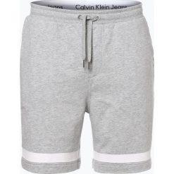 Calvin Klein Jeans - Spodenki męskie, szary. Szare spodenki jeansowe męskie Calvin Klein Jeans, w paski, sportowe. Za 299,95 zł.