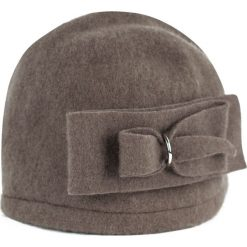 Czapka  damska Podwójny szyk ciemnobeżowa (cz14337). Brązowe czapki zimowe damskie Art of Polo. Za 54,70 zł.