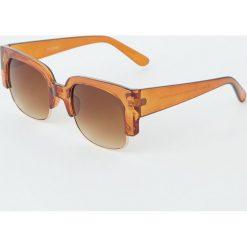 Prostokątne okulary przeciwsłoneczne. Brązowe okulary przeciwsłoneczne damskie lenonki Pull&Bear, prostokątne. Za 49,90 zł.