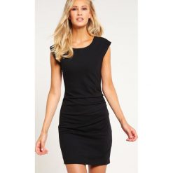 Kaffe INDIA O NECK Sukienka etui black. Czarne sukienki Kaffe, s, z dżerseju. Za 369,00 zł.