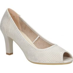 Beżowe czółenka ażurowe na słupku peep toe Sergio Leone PB232-10P. Brązowe buty ślubne damskie marki bonprix, na obcasie. Za 88,99 zł.