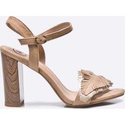 Answear - Sandały Kylie Crazy. Szare rzymianki damskie ANSWEAR, z materiału, na obcasie. W wyprzedaży za 99,90 zł.