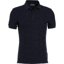 Emporio Armani Koszulka polo fantasia blue. Szare koszulki polo marki Emporio Armani, l, z bawełny, z kapturem. W wyprzedaży za 419,25 zł.