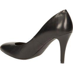 CZÓŁENKA KANIOWSKI K-1402. Czarne buty ślubne damskie Casu, na koturnie. Za 249,99 zł.