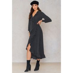 Długie sukienki: Just Female Kopertowa sukienka maxi Hiro - Black