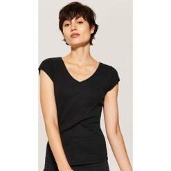 T-shirt basic - Czarny. Czarne t-shirty damskie House, l. Za 19,99 zł.