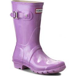 Kalosze HUNTER - Original Gloss Short W23700 Wisteria. Fioletowe buty zimowe damskie Hunter, z kauczuku. W wyprzedaży za 299,00 zł.