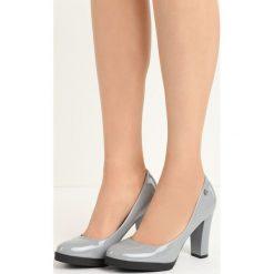 Szare Czółenka Empress. Szare buty ślubne damskie Born2be, z okrągłym noskiem, na niskim obcasie, na obcasie. Za 59,99 zł.