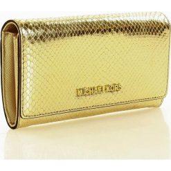 Markowy portfel MICHAEL KORS - JET SET TRAVEL- pale gold. Żółte portfele damskie Michael Kors, ze skóry. Za 450,00 zł.
