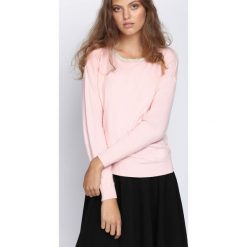 Jasnoróżowy Sweter Stand Alone. Czerwone swetry klasyczne damskie Born2be, na jesień, l. Za 39,99 zł.