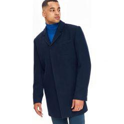 KLASYCZNY PŁASZCZ MĘSKI Z WEŁNIANEJ TKANINY. Niebieskie płaszcze na zamek męskie Top Secret, na jesień, m, z tkaniny, eleganckie. Za 299,99 zł.