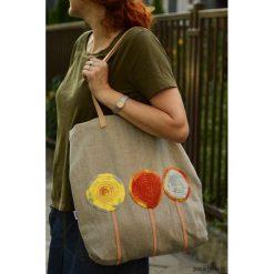 Torba na zakupy kółko. Brązowe shopper bag damskie Pakamera, z aplikacjami, z bawełny, z aplikacjami. Za 67,00 zł.