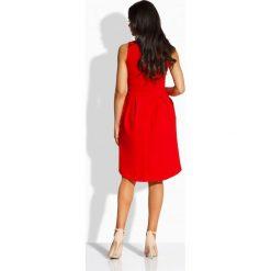 Sukienki balowe: Kobieca rozkloszowana sukienka czerwony