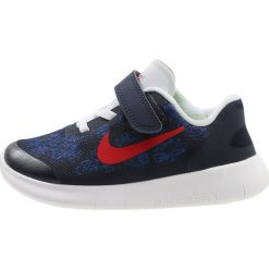 Nike Performance FREE RUN 2 Obuwie do biegania neutralne obsidian/university red/racer blue/photo blue. Niebieskie buty sportowe chłopięce Nike Performance, z materiału, do biegania. W wyprzedaży za 237,30 zł.