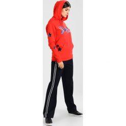 Bluzy rozpinane damskie: Rich & Royal Bluza z kapturem flame red