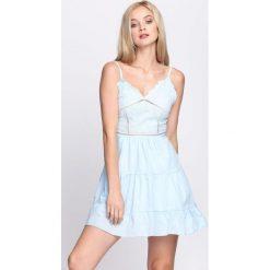 Jasnoniebieska Sukienka Crown. Niebieskie sukienki letnie marki Born2be, s. Za 74,99 zł.