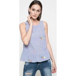 Answear - Bluzka Blossom Mood. Szare bluzki z odkrytymi ramionami ANSWEAR, m, z bawełny, casualowe, z okrągłym kołnierzem. W wyprzedaży za 59,90 zł.