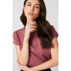 NA-KD Basic T-shirt z surowym wykończeniem - Pink. Różowe t-shirty damskie marki NA-KD Basic, z bawełny. W wyprzedaży za 21,18 zł.