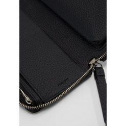AllSaints FETCH PHONE WRISTLET Portfel black. Czarne portfele damskie marki AllSaints. Za 539,00 zł.