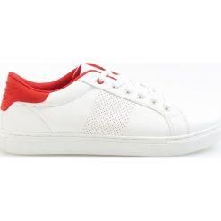 Sportowe buty - Biały. Brązowe halówki męskie marki Reserved. W wyprzedaży za 39,99 zł.