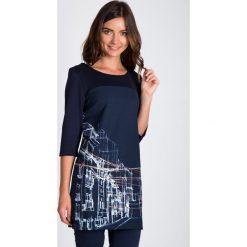 Bluzki, topy, tuniki: Granatowa tunika z motywem miasta QUIOSQUE