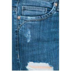 Only - Jeansy Kendell. Szare jeansy damskie marki ONLY, s, z bawełny, casualowe, z okrągłym kołnierzem. W wyprzedaży za 89,90 zł.