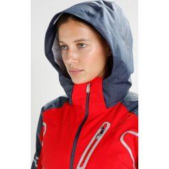 Spyder VINTAGE RAD PAD Kurtka narciarska red/frontier. Czerwone kurtki sportowe damskie Spyder, z materiału, narciarskie. W wyprzedaży za 1637,35 zł.