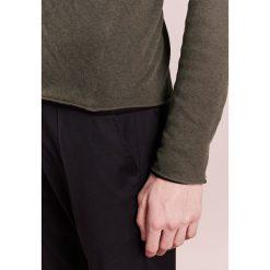 Rag & bone TRIPP Sweter army. Zielone swetry klasyczne męskie rag & bone, m, z bawełny. W wyprzedaży za 687,20 zł.