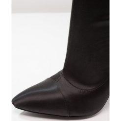 BEBO KENNY Kozaki na obcasie black. Czarne buty zimowe damskie BEBO, z materiału, na obcasie. W wyprzedaży za 188,10 zł.
