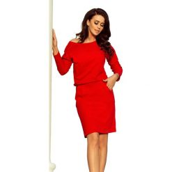 Czerwona Codzienna Zbluzowana Sukienka z Dekoltem na Plecach. Czarne sukienki balowe marki Mohito, l, z dekoltem na plecach. Za 128,90 zł.