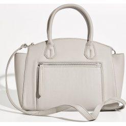 Torba City Bag - Jasny szar. Szare torebki klasyczne damskie Sinsay. W wyprzedaży za 49,99 zł.