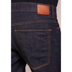 DRYKORN JAW Jeansy Slim Fit navy. Niebieskie jeansy męskie regular DRYKORN, z bawełny. Za 419,00 zł.