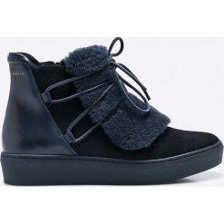 Gant - Botki. Czarne buty zimowe damskie marki GANT, z materiału, z okrągłym noskiem. W wyprzedaży za 299,90 zł.