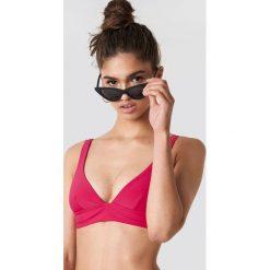 NA-KD Swimwear Góra bikini z szerokim paskiem - Pink. Różowe bikini NA-KD Swimwear. Za 80,95 zł.