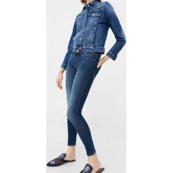 Mango - Jeansy Elektra1. Szare jeansy damskie Mango, z bawełny. W wyprzedaży za 79,90 zł.